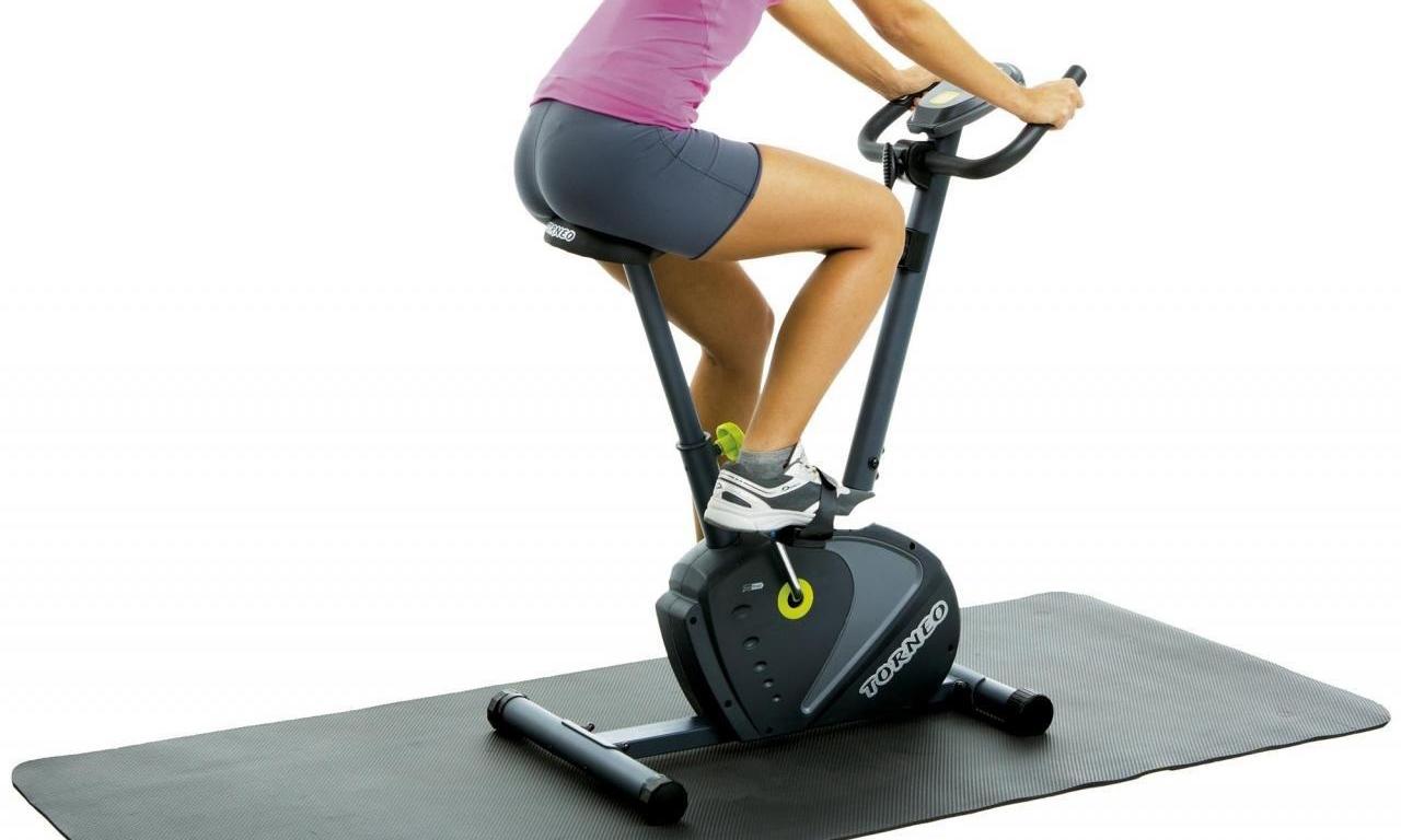 Вертикальный велотренажер для регулярных тренировок