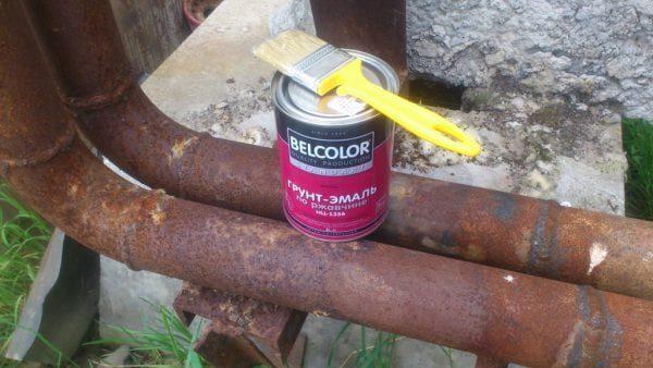 Краску можно наносить непосредственно на ржавый металл
