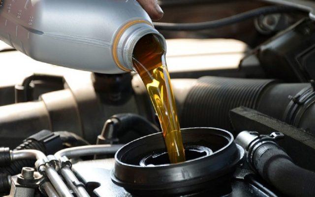 Минеральное масло более вязкое