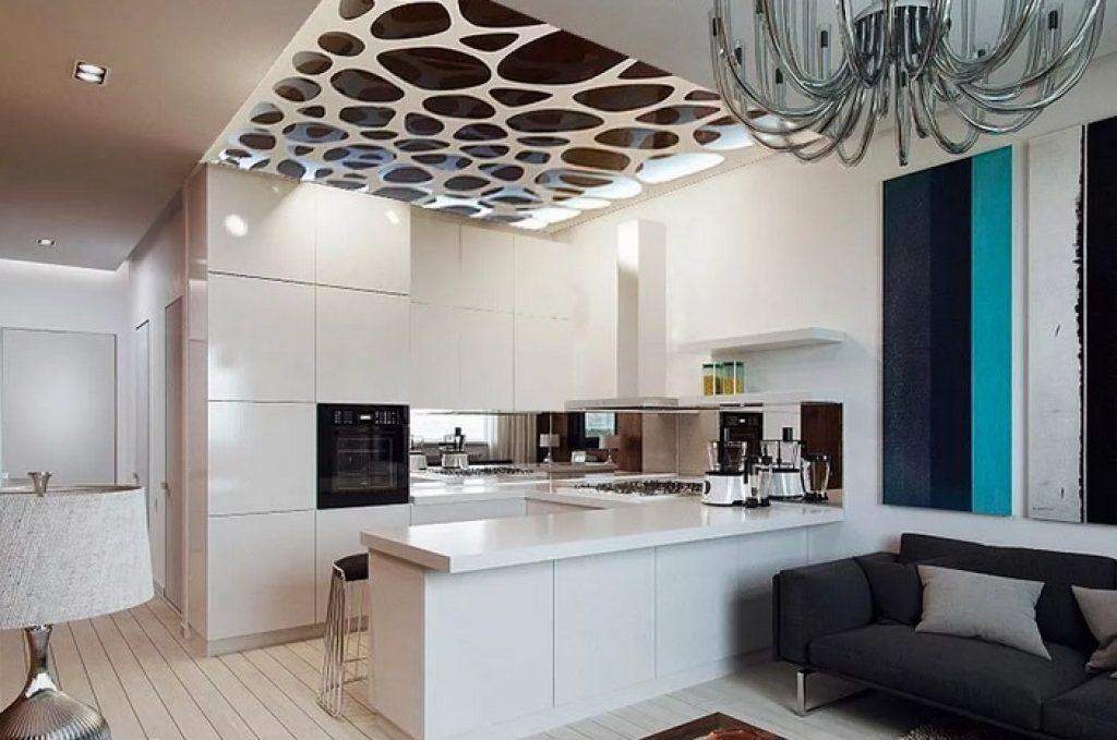 кухня-гостиная потолок